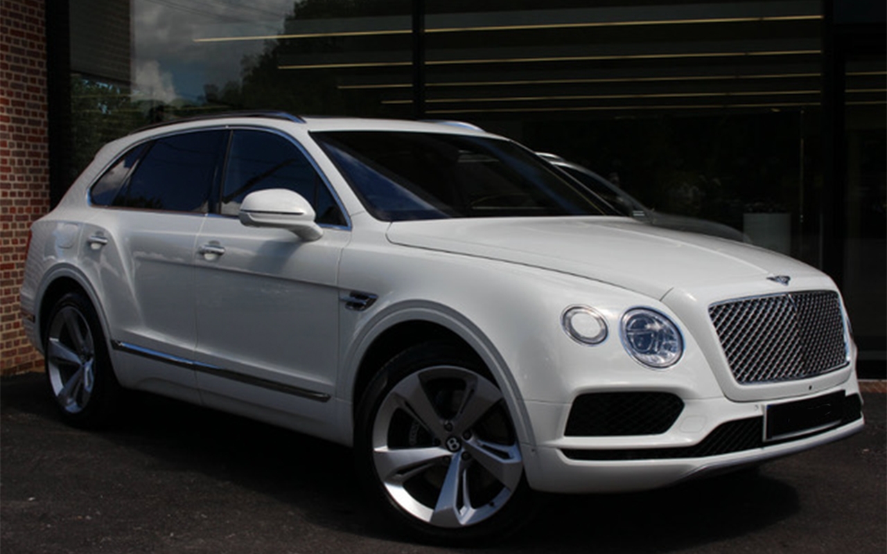 Rolls Royce For Hire >> White Bentley Bentayga for Hire - Royal Rentals Car Hire