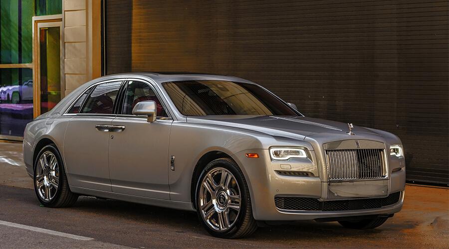 Why Use Wedding Car Rental For Your Wedding Royal Rentals